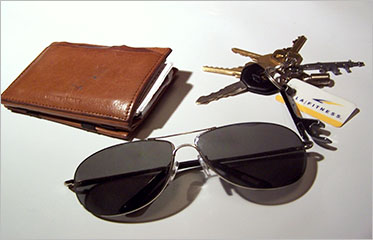 c75ed275a7a Sunglasses And Wallets Offer  Get Upto 85% Off At Shopclues ...